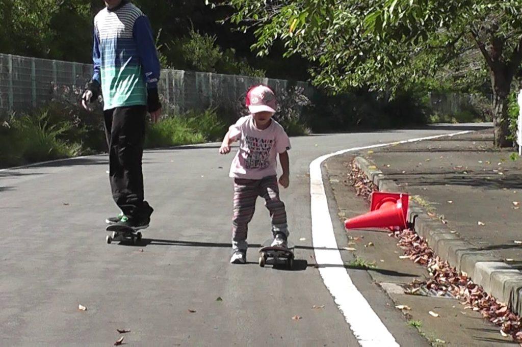 親子 スケートボード