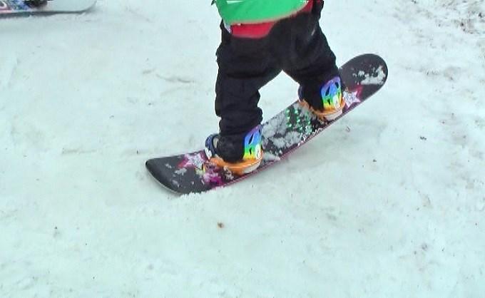 スノーボードのフレックスを感じる、ノーズプレス