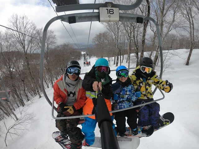 スノーボード、リフト、ゴープロで撮影