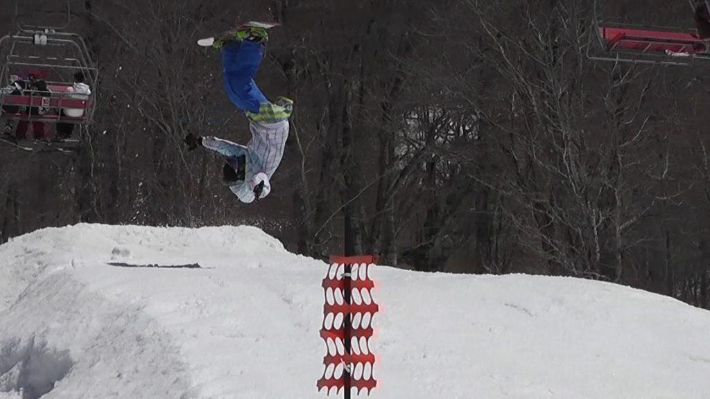 スノーボードのフロントフリップ3