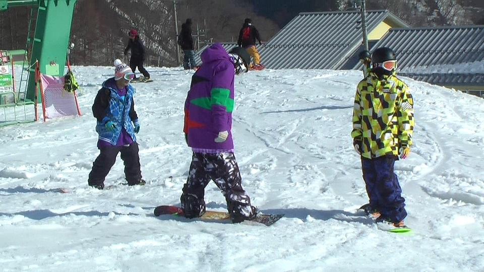 仲間とスノーボード