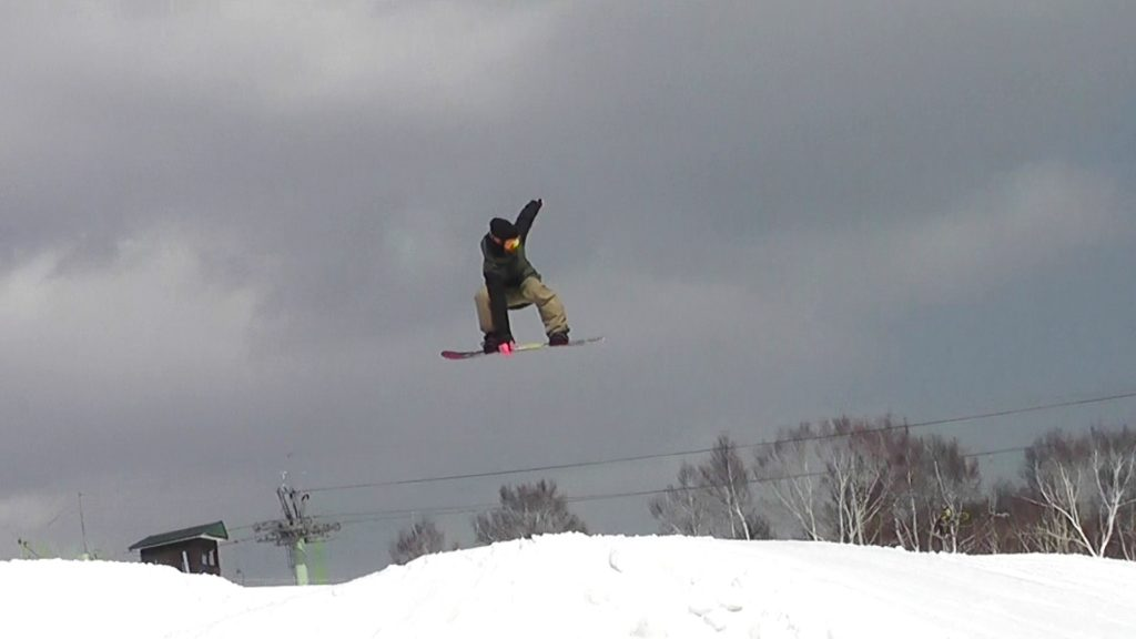 スノーボードストレートジャンプ インディ