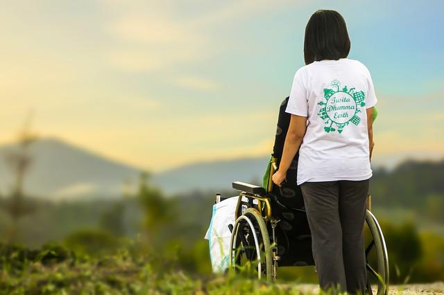 介護、車椅子、高齢者