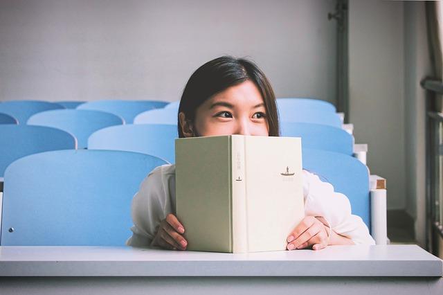 読書、女の子、デスク、椅子