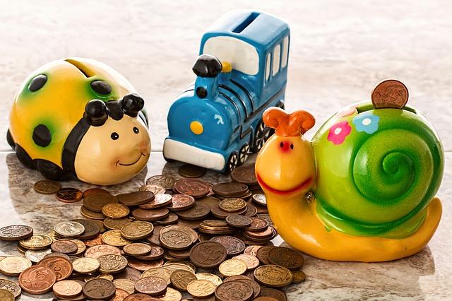 小銭、貯金箱、貯金、年金