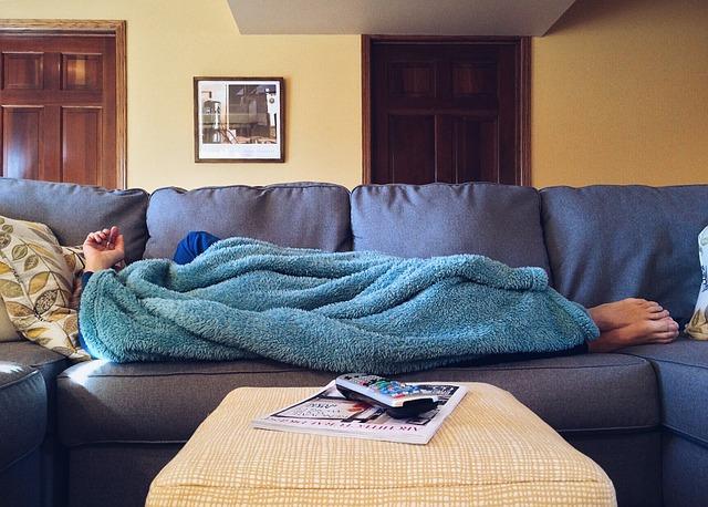自宅、ソファー、毛布、リラックス