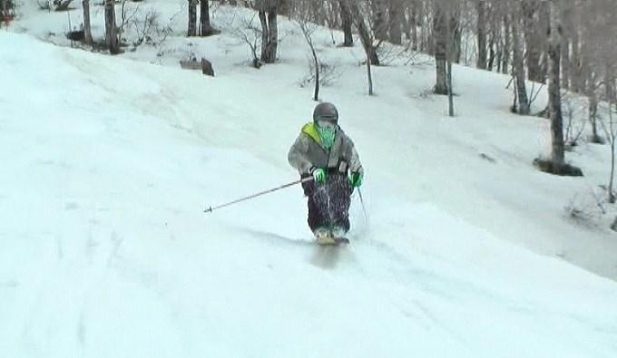 スキー、モーグル、コブ滑走