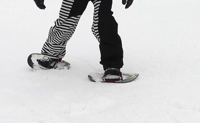 セパレートスノーボード「ニコ」横歩き(1)
