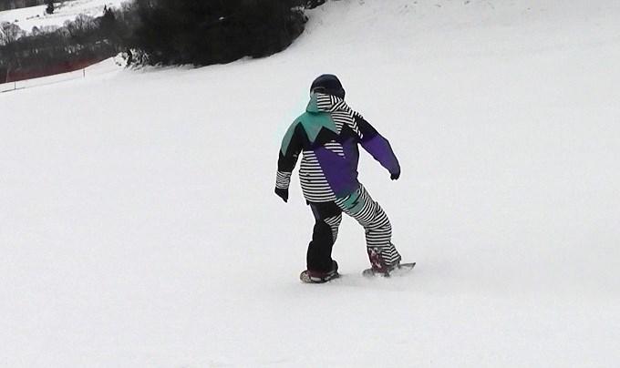 セパレートスノーボード「ニコ」の滑り(2)