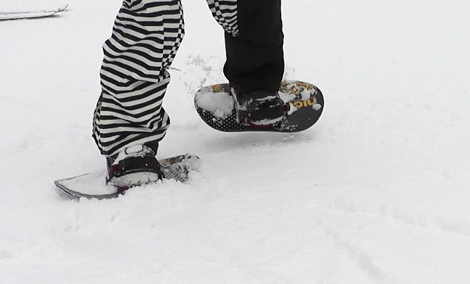 セパレートスノーボード「ニコ」横歩き(2)