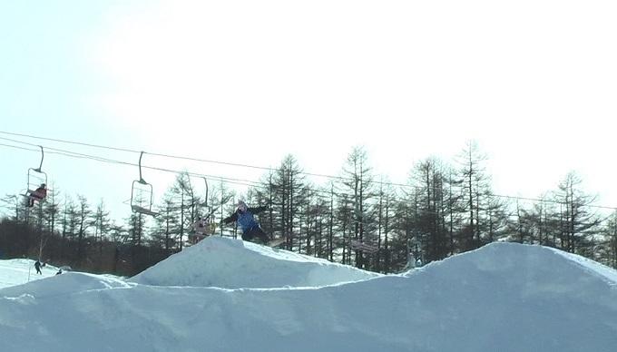 スノーボードキッカーへのアプローチスピード出過ぎ(2)