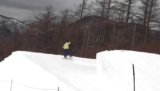 スノーボードキッカーへのアプローチスピード足りず(7)